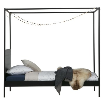 kinderbed,woood bed baron zwart,hip kinderbed,karwei kinderbed