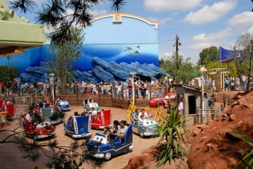 kinder attracties,cars attractie disneyland parijs,cars Quatre Roues Rallye