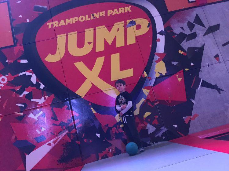jumpen,jumpxl haarlemmermeer,jumpxl nieuw vennep,kinderen jumpen,trampolinespringen,jumpen vakantie noord holland,waar trampoline springen