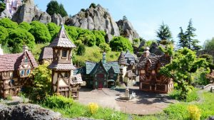 kinder attracties,bootjes,le pays de contes de fees