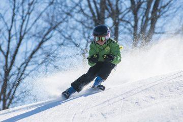 kindvriendelijk skigebied,jongetje skien oostenrijk