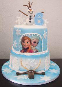 kinder verjaardagstaarten,elsa taart,frozen taart