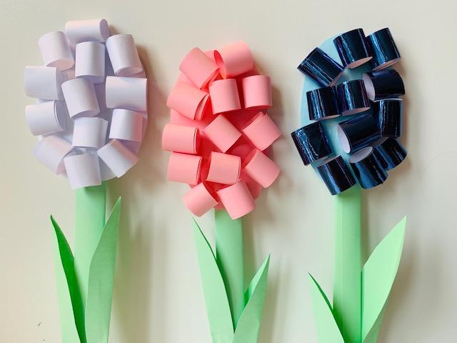 papieren bloemen,papieren hyacinten,zelf bloemen maken,zelf bloemen knutselen,knutselen lente
