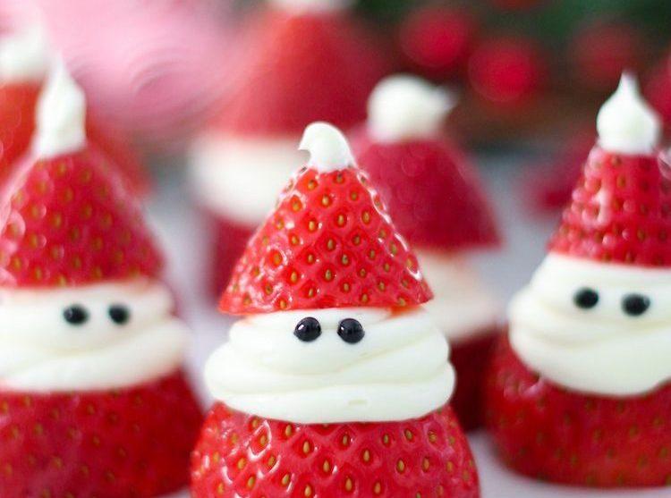 kerstdiner school,aardbeien kerstmannetjes