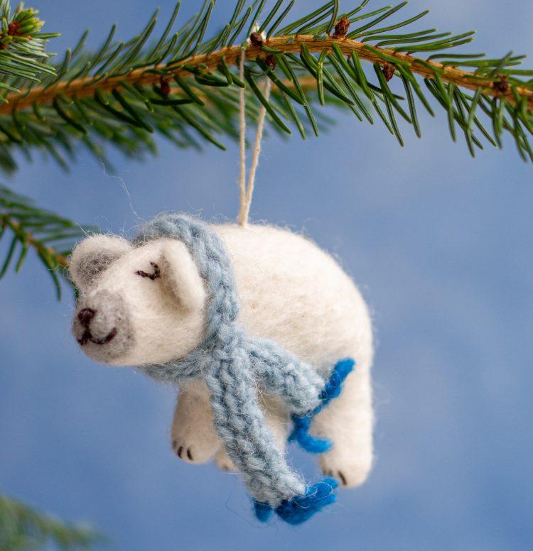 lumi de ijsbeer,duurzame kersthanger