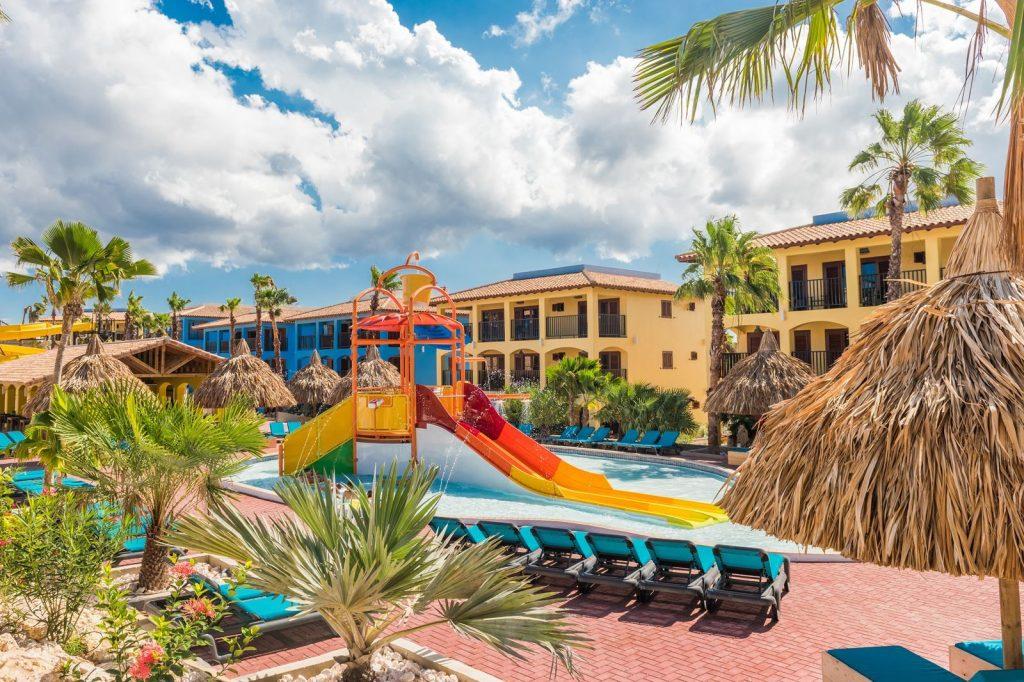 kunuku aqua resort,hotel curacao met glijbaan,kinderbad kunuku resort corendon
