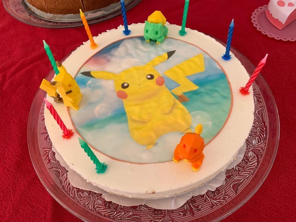 pikachu taart,pokemon taart,verjaardagstaart jongen,cadeau jongen 9 jaar,cadeau jongen 8 jaart,zelf een verjaardagstaart maken,kwarktaart kinderverjaardag