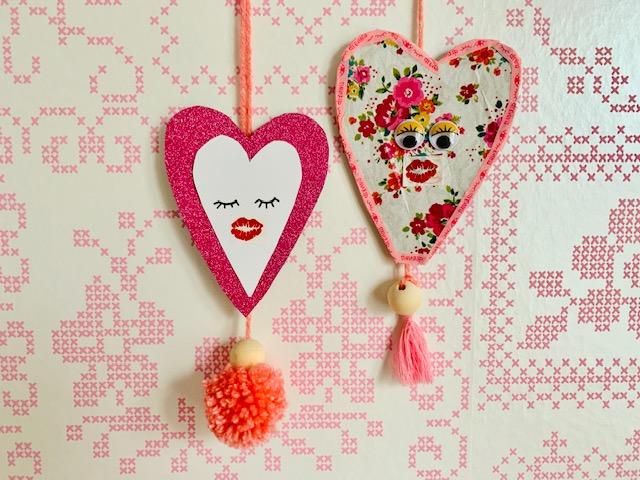 moederdag knutselen,hartjes hanger knutselen,autospiegel hanger maken