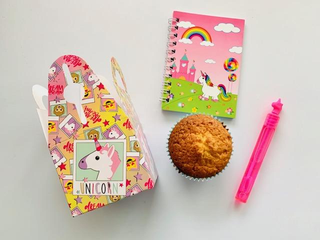 traktatie afscheid creche,traktatie meisje 4 jaar,cupcake traktatie,unicorn traktatie,traktatie meisje 5,unicorn cupcakes