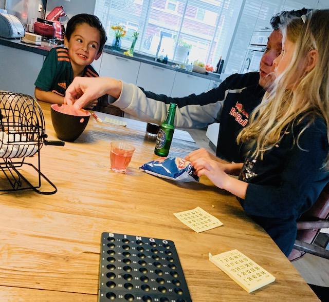 binnen activiteiten,bingo spelen,tips dingen doen in huis,tips kinder activiteiten,tips scholen dicht,thuis school