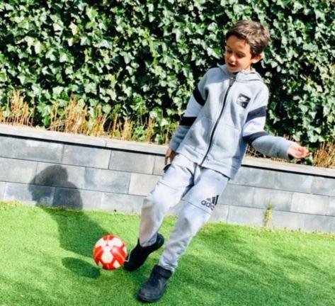 buiten spelen,voetballen,tips spelen in de tuin,speeltips buiten,scholen dicht tips,thuis school
