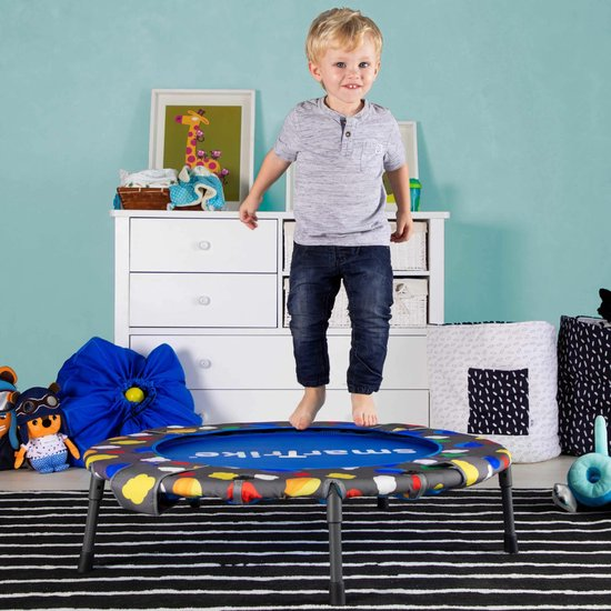 thuis sporten,sporten met de kids,thuis school,corona tips kinderen,trampoline voor kleine kinderen,ballenbak