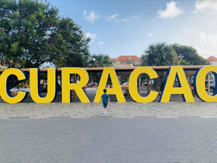 vakantie curacao,curacao bord,tips curacao,willemstad letters curacao