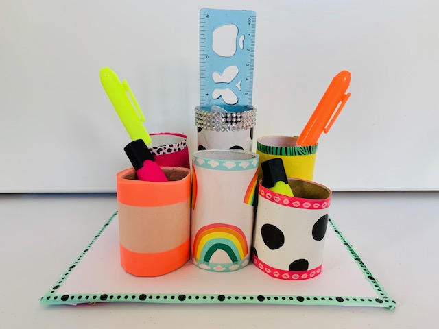 knutsel ideeen,pennenbakje knutselen,pennenbakje knutselen,knutselen met wc rollen
