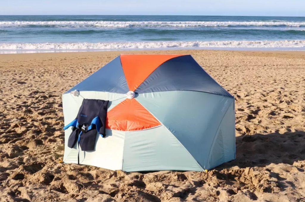 windscherm,strandtentje,windscherm decathlon,uv bescherming,parasol,uitklapbaar windscherm decathlon