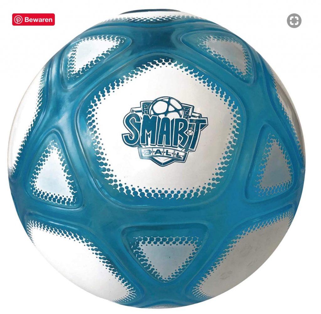 voetbal met verlichting,bal die licht geeft,smart ball,smart bal,voetbal die telt,voetbal hooghouden