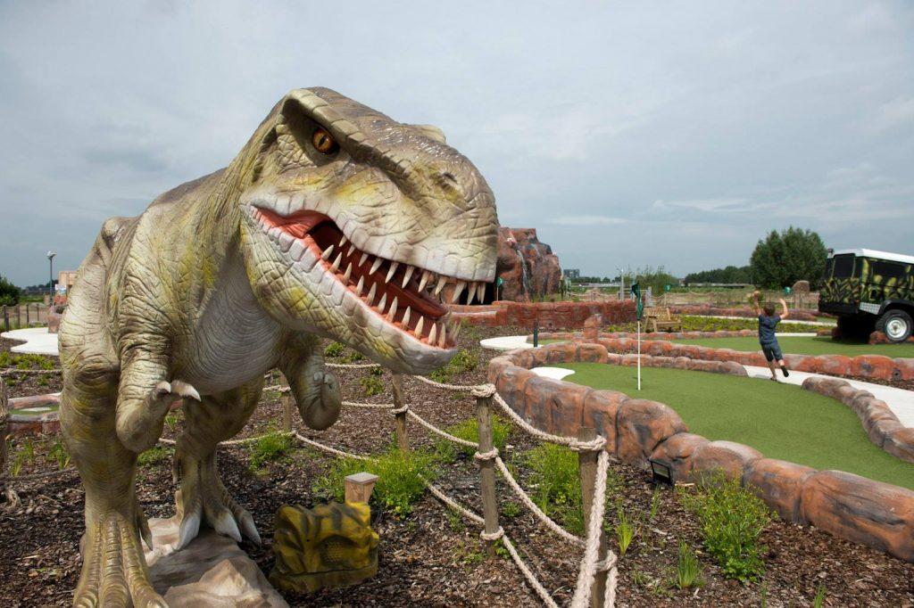 dagje uit,dagje weg,korting dino experience park gouda,tips leuke uitjes met kinderen,mini golf dinosaurus