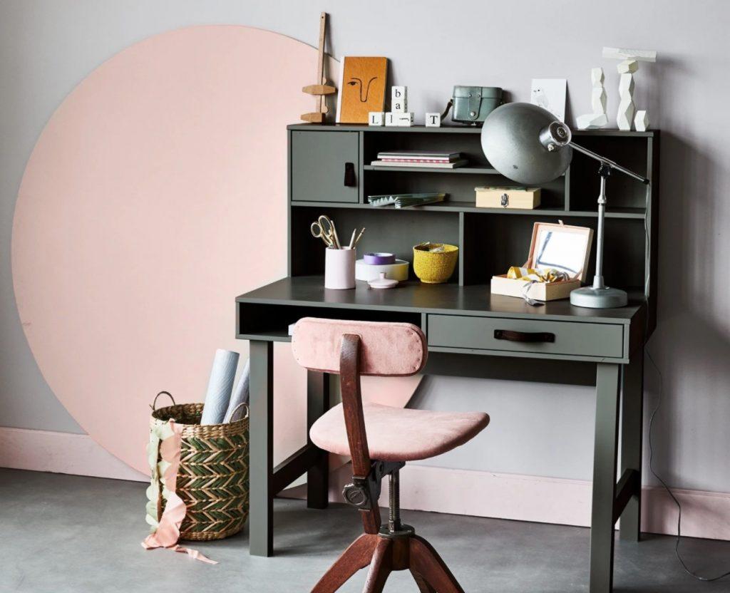 vt wonen stage bureau,bureau met leren handgrepen,groen bureau,houten bureau,vt wonen kinder bureau,vintage bureau,jongens bureau,bureau voor jongens