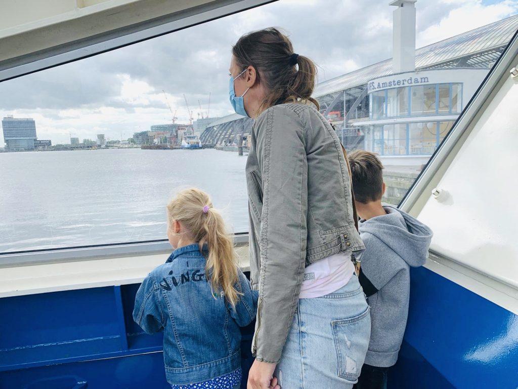 this is holland review,pont over het ij,mondkapje pont,dagje amsterdam met kinderen,tips amsterdam
