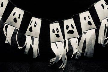 halloween knutselen,halloween decoratie,tips en ideeen halloween,halloween slinger maken,spoken slinger,spook knutselen,halloween decoratie tips
