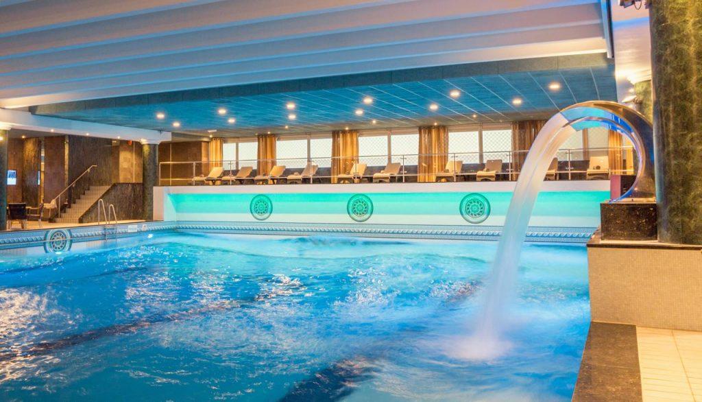 hotel van oranje,familihotel in nederland,familiehotel met zwembad noordwijk,hotel met binnenzwembad noordwijk,golfslagbad hotel van oranje,luxe familiehotel in nederland bij het strand