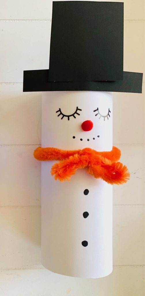knutselen winter tips en ideeen,sneeuwpop van pringles bus,sneeuwpop maken,sneeuwpop knutselen