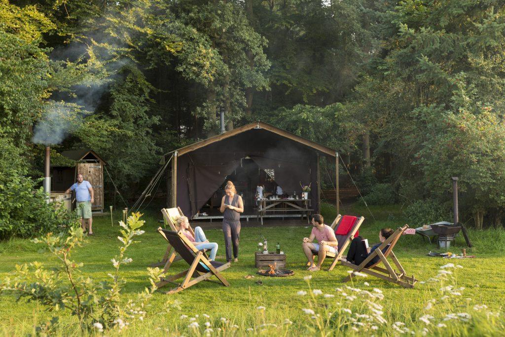 kamperen bij de boer,boerenbed glamping,boerenbed kamperen