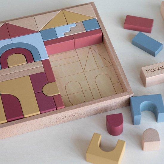 kraamcadeau tips en ideeen,origineel kraamcadeau,kraamcadeau meisje,kraamcadeau jongen,houten blokken,blokkendoos,baby speelgoed