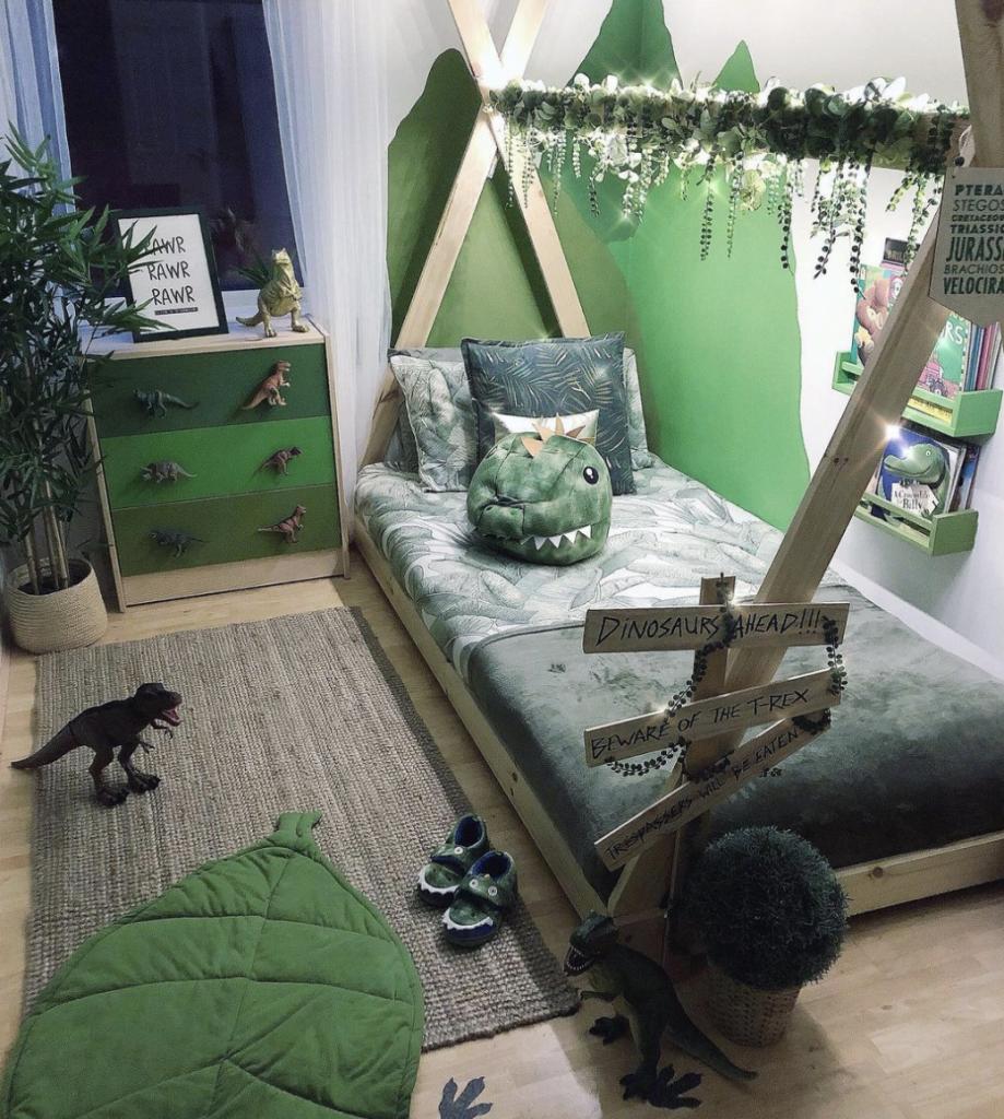 dinosaurus kamer,dinosaurus slaapkamer,groene jongenskamer,kinderkamer inspiratie groen,jungle kamer,kinderkamer tips en ideeen,jongenskamer tips en ideeen