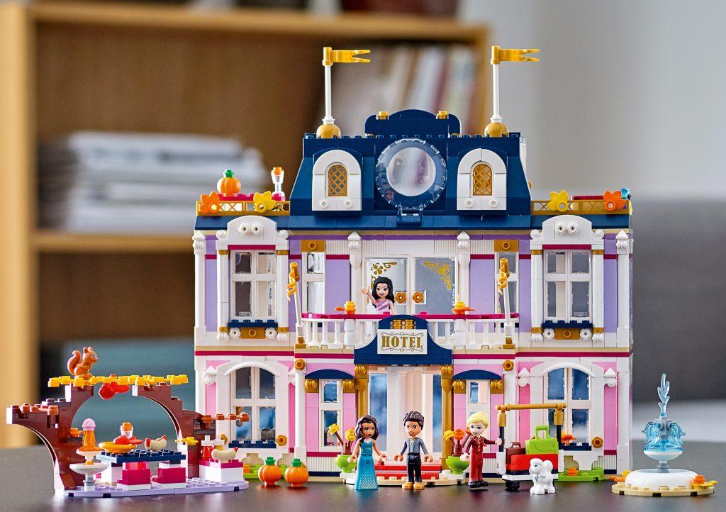 nieuwste lego sets,LEGO Friends Heartlake City Grand Hotel (41684),hotel lego friends,leuke lego set voor meisjes,cadeau meisje 8 jaar,cadeau tip meisje 8,sinterklaas cadeau meisje,kerstcadeau tip meisje
